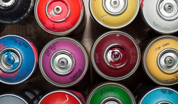 ehimetalor-unuabona-270320.jpg Spray cans